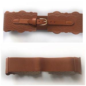 EXPRESS | Light Brown Scalloped Belt